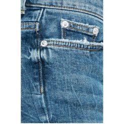 Vero Moda - Jeansy. Niebieskie jeansy damskie Vero Moda, z aplikacjami, z bawełny. W wyprzedaży za 99,90 zł.