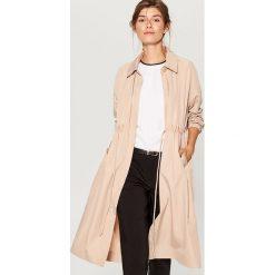 Płaszcz oversize - Beżowy. Brązowe płaszcze damskie marki Mohito. W wyprzedaży za 179,99 zł.