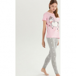 Dwuczęściowa piżama z jednorożcem - Różowy. Czerwone piżamy damskie marki DOMYOS, z elastanu. Za 59,99 zł.