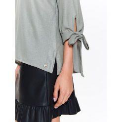 Bluzki damskie: BLUZKA ELEGANCKA DAMSKA Z POŁYSKUJĄCEJ TKANINY