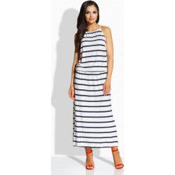 Długie sukienki: Długa elegancka sukienka z oryginalnym dekoltem granatowy-biały