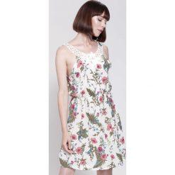 Sukienki hiszpanki: Jasnożółta Sukienka Withdraw