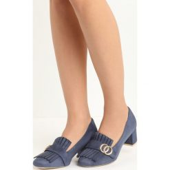 Granatowe Czółenka Nigella. Szare buty ślubne damskie marki Born2be, z aplikacjami, ze skóry, na niskim obcasie, na słupku. Za 69,99 zł.