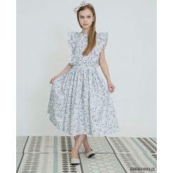 Sukienki dziewczęce: Sukienka w kwiaty z rękawkiem jak skrzydełka