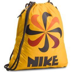 Plecak NIKE - BA5806-752 Żółty. Żółte plecaki damskie Nike, z materiału, sportowe. Za 74,00 zł.