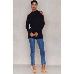 Bluzy rozpinane damskie: NA-KD Bluza z półgolfem i wycięciami na ramionach - Black