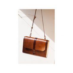 Torebka z drewnem R4 orzech. Brązowe torebki klasyczne damskie Republic, w paski, z lakierowanej skóry, duże. Za 410,00 zł.