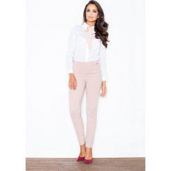 Bielizna damska: Elegancka Biała Koszula z Różową Kokardą