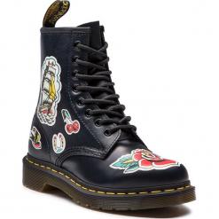 Glany DR. MARTENS - 1460 Chris Lambert 24243001 Black/Multi. Czarne buty zimowe damskie Dr. Martens, z materiału. W wyprzedaży za 489,00 zł.