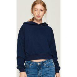 Krótka bluza z kapturem - Granatowy. Niebieskie bluzy z kapturem damskie marki Sinsay, l, z krótkim rękawem, krótkie. Za 49,99 zł.