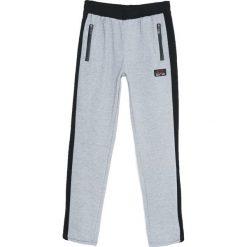 Szare Spodnie Dresowe Down Tools. Czarne spodnie dresowe męskie marki Born2be, l, z aplikacjami, z dresówki. Za 39,99 zł.