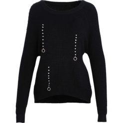 Czarny Sweter Crowded Place. Czarne swetry klasyczne damskie Born2be, l, z okrągłym kołnierzem. Za 79,99 zł.