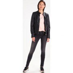 Calvin Klein Jeans MID RISE SKINNY Jeans Skinny Fit roxy grey. Szare jeansy damskie Calvin Klein Jeans. W wyprzedaży za 314,30 zł.