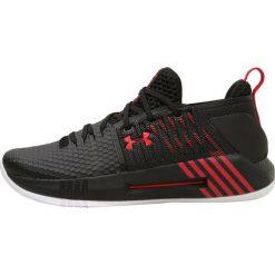 Under Armour DRIVE 4 LOW Obuwie do koszykówki black. Czarne buty sportowe męskie marki Under Armour, z materiału. W wyprzedaży za 344,25 zł.
