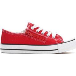 Czerwone Trampki Made Off. Czerwone buty sportowe chłopięce marki Born2be, z materiału, z okrągłym noskiem, na zamek. Za 29,99 zł.
