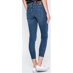 Vero Moda - Jeansy Five. Niebieskie jeansy damskie marki House, z jeansu. W wyprzedaży za 99,90 zł.