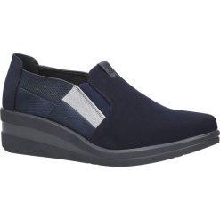 Granatowe półbuty na koturnie Sergio Leone PB229. Czarne buty ślubne damskie marki Sergio Leone. Za 99,99 zł.