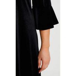 Sukienki hiszpanki: Evans FLUTE SLEEVE VELVET Sukienka z dżerseju black