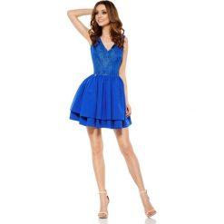 Chabrowa Wieczorowa Sukienka z Koronką z Rozkloszowanym Dołem. Niebieskie sukienki balowe marki Molly.pl, l, w jednolite wzory, z koronki, z dekoltem na plecach, na ramiączkach, rozkloszowane. Za 219,90 zł.
