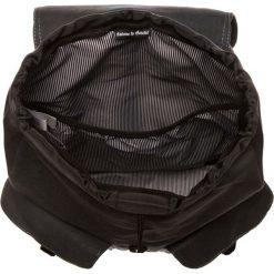 Herschel DAWSON Plecak black. Czarne plecaki męskie Herschel. W wyprzedaży za 370,30 zł.