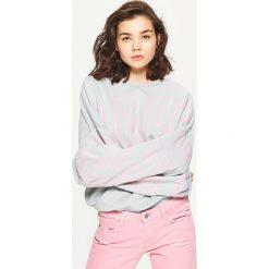 Bluzy rozpinane damskie: Bluza oversize z napisem - Jasny szary