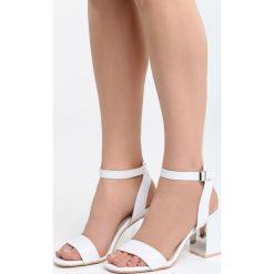 Białe Sandały Forest Calm. Białe sandały damskie na słupku marki Born2be, z materiału, na wysokim obcasie. Za 49,99 zł.
