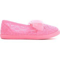Różowe Tenisówki Can I Have. Czerwone buty sportowe dziewczęce marki Born2be, w koronkowe wzory, z koronki. Za 29,99 zł.