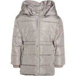 Name it NITMARTHA Kurtka zimowa mourning dove. Brązowe kurtki dziewczęce zimowe marki Reserved, l, z kapturem. W wyprzedaży za 142,35 zł.