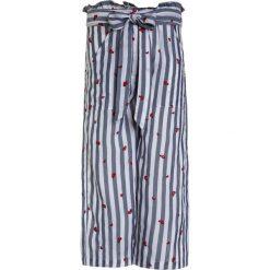 Chinosy chłopięce: Patrizia Pepe TROUSER Spodnie materiałowe denim light blue