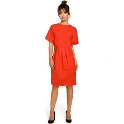 CARLOTTA Sukienka z zakładkami - czerwona. Czerwone sukienki balowe BE, l, z dresówki, oversize. Za 159,90 zł.