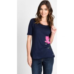 Bluzki, topy, tuniki: Granatowa bluzka z kwiatowym wzorem QUIOSQUE