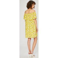Vero Moda - Sukienka. Brązowe sukienki dzianinowe marki Vero Moda, na co dzień, l, casualowe, mini, proste. W wyprzedaży za 99,90 zł.