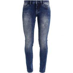 Mavi ADRIANA Jeans Skinny Fit foggy blue. Niebieskie rurki damskie Mavi. W wyprzedaży za 174,50 zł.
