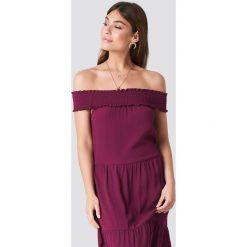 NA-KD Boho Sukienka z odkrytymi ramionami - Red. Niebieskie sukienki boho marki NA-KD Boho, na imprezę, w koronkowe wzory, z koronki, na ramiączkach, mini. W wyprzedaży za 80,98 zł.