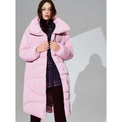 Oversize'owy płaszcz - Różowy. Czerwone płaszcze damskie marki Reserved, l. Za 349,99 zł.