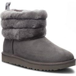 Buty UGG - W Fluff Mini 1098533 W/Chrc. Szare buty zimowe damskie marki Ugg, z materiału, z okrągłym noskiem. Za 919,00 zł.