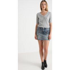 AllSaints GRAFF SKIRT Spódnica jeansowa indigo blue. Niebieskie minispódniczki marki AllSaints, z bawełny. Za 459,00 zł.