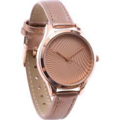 Ciemnobeżowy Zegarek Accepted. Brązowe zegarki damskie Born2be. Za 24,99 zł.