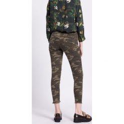 Medicine - Jeansy Mixed Emotions. Szare jeansy damskie marki MEDICINE, z bawełny. W wyprzedaży za 79,90 zł.