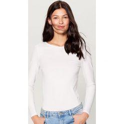 Koszulka basic - Biały. Białe t-shirty damskie Mohito, l. Za 29,99 zł.