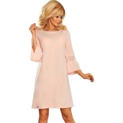 Różowa Sukienka Wizytowa z Koronką na Rękawie. Czerwone sukienki koktajlowe marki Molly.pl, na imprezę, l, w koronkowe wzory, z koronki, z falbankami, proste. Za 139,90 zł.