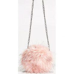 Torebka z futerkiem - Różowy. Czerwone torebki klasyczne damskie marki Reserved, duże. W wyprzedaży za 29,99 zł.