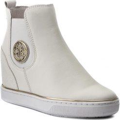 Botki GUESS - Freda FLFRE3 LEA12 WHITE. Białe botki damskie skórzane marki Guess. W wyprzedaży za 339,00 zł.