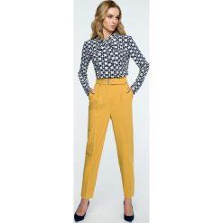 Spodnie z paskiem wysoki stan s124. Niebieskie spodnie z wysokim stanem marki SaF, na co dzień, xl, z żakardem, z asymetrycznym kołnierzem, dopasowane. Za 139,00 zł.