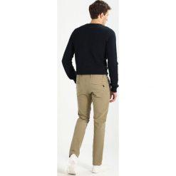 Chinosy męskie: DOCKERS SMART 360 FLEX ALPHA SKINNY Spodnie materiałowe new british khaki