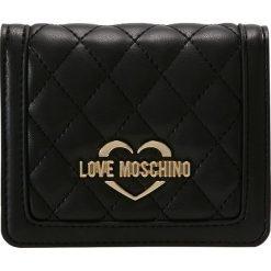 Portfele damskie: Love Moschino QUILTED FLAP SMALL WALLET Portfel nero