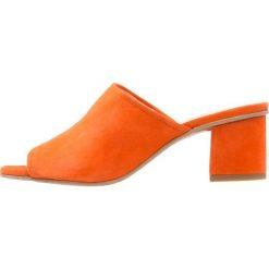 Chodaki damskie: Brenda Zaro POLAR Klapki naranja fluo