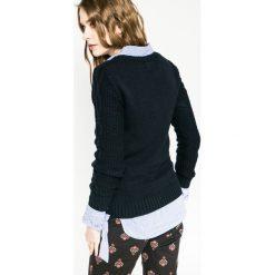Medicine - Sweter Hogwarts. Niebieskie swetry klasyczne damskie marki DOMYOS, z elastanu, street, z okrągłym kołnierzem. W wyprzedaży za 59,90 zł.