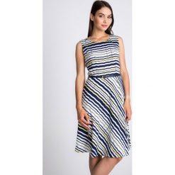 Sukienki: Rozkloszowana sukienka w paski QUIOSQUE