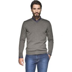 Swetry klasyczne męskie: sweter valero w serek brąz